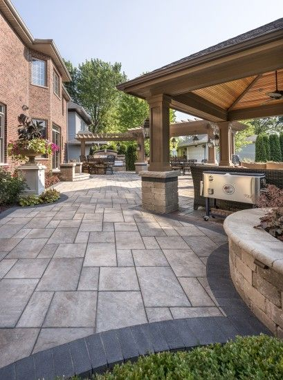 Outdoor Living With Beacon Hill Flagstone Paver Patio