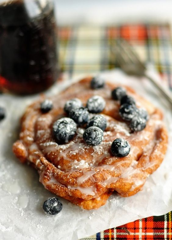 root beer funnel cakes with blueberries