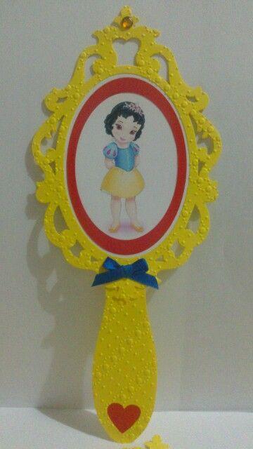 Invitaci n motivo blancanieves bebe en forma de espejo for Espejo para ver al bebe