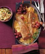 Rezepte für deftigen Kasseler-Braten mit Bohnenpüree, vegetarischen Nussbraten mit Ofengemüse und feinen Kalbs-Rollbraten.