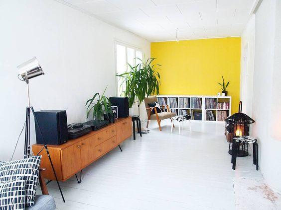 """500! Kiitos!! Thank you!! #olohuone #livingroom #rintamamiestalo #interiorwarrior #interiorstyling #interior #interiordesign #sisustus #oikotiesisustus…"""
