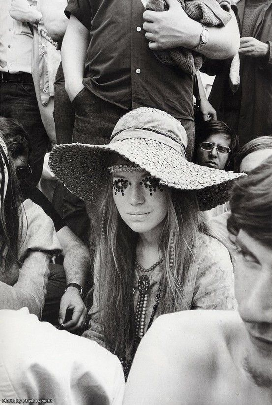 A gorgeous 60's style festival look. Find more festival style on our mood board at www.oliviamay.org