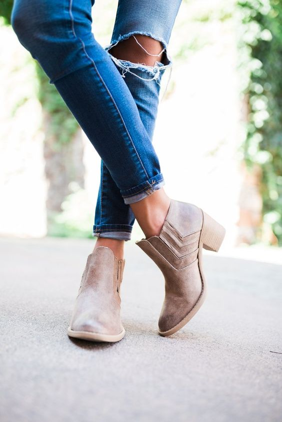 The cutest brown booties you ever did see! These boots run true to size Heel height is approx. 2 3/4 inches: