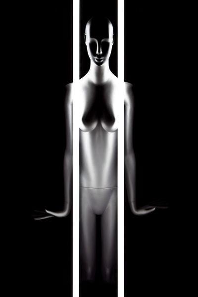 #model #mannequin #neon #tubelights #reflection #reflect #plasticmodels #stilllife #naturemorte #plasticlife #plastic #life