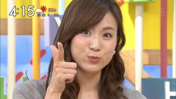 可愛いポーズの笹川友里アナ