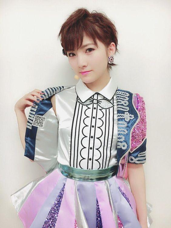 岡田奈々スパンコールが素敵な衣装