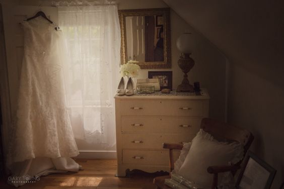 The brides childhood bedroom with details out ready to start the day