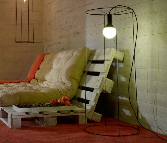 Pallet Floor Lamp: Futon Couch, Pallet Lounge And Wire Baskets On Pinterest