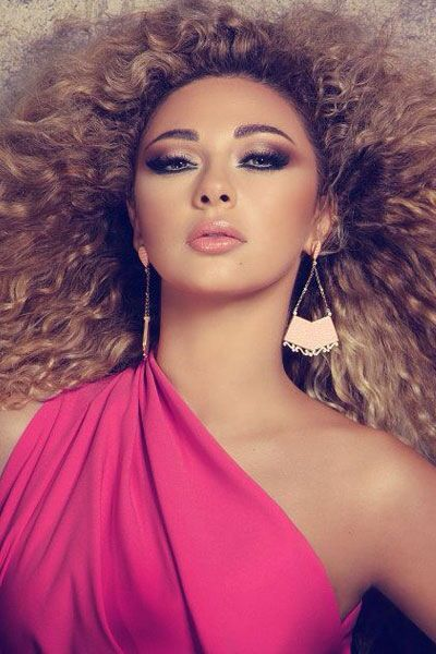 Patricia Riga is known for her makeup looks with the Lebanese singer Myriam Fares.