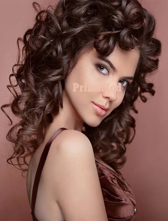 Curly Hairstyles Panosundaki Pin