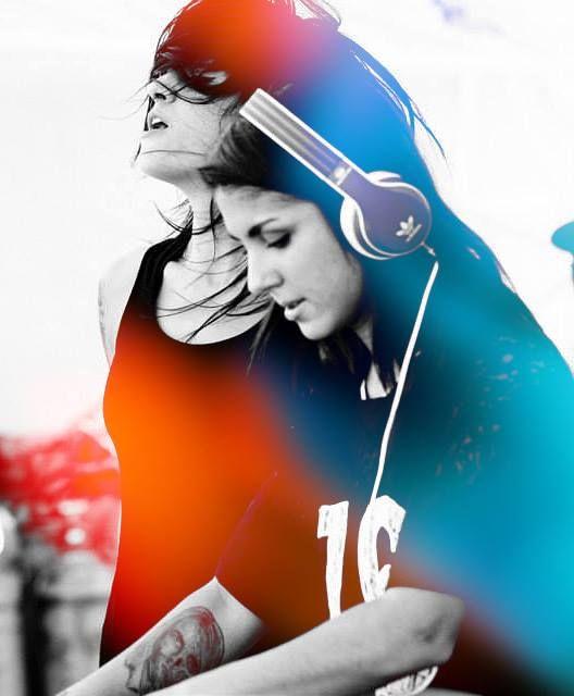 Jahan && Yasmine Yousaf <3 .