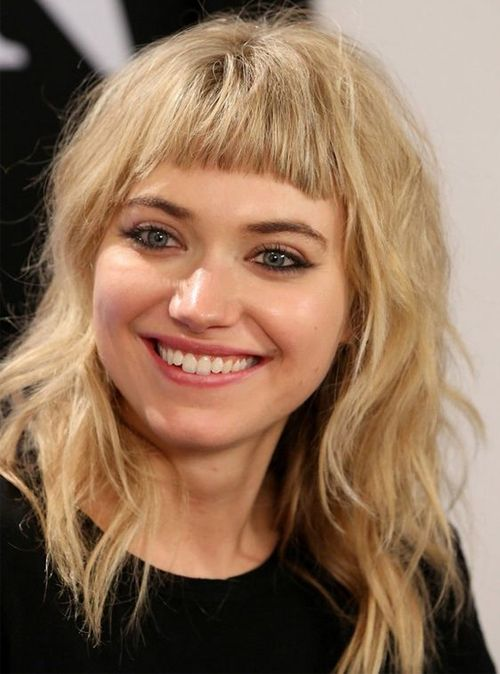 Elegant Full Fringe Medium Hairstyles For Women With Round Faces Hair And Comb Medium Hair Styles Medium Length Hair Styles Short Hair With Bangs