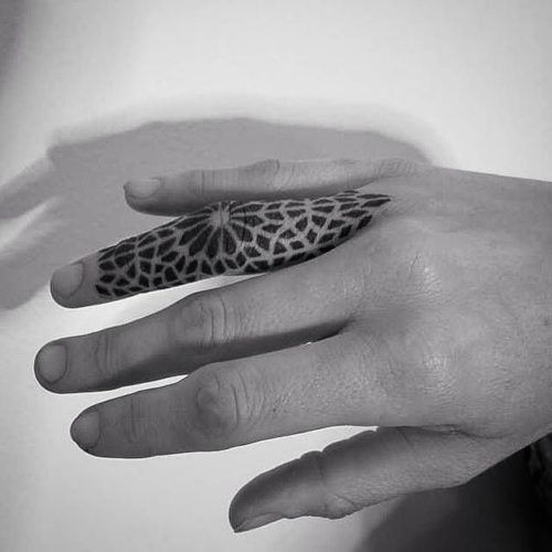 Tatuajes En Los Dedos Para Hombres