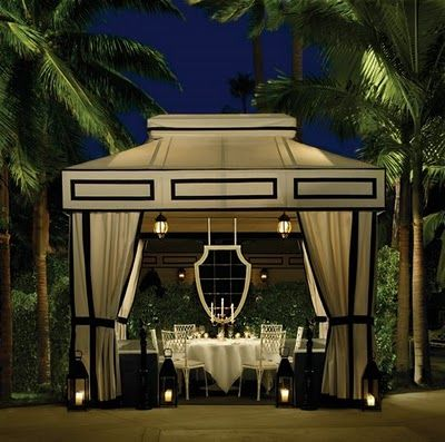 I've eaten at this type of dining cabana at the Viceroy, but I want one in my own backyard!!!