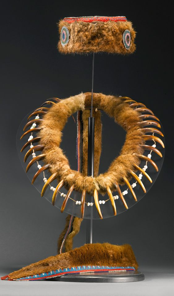 Mesquakie 'prairie grizzly' bear claw necklace and turban ...
