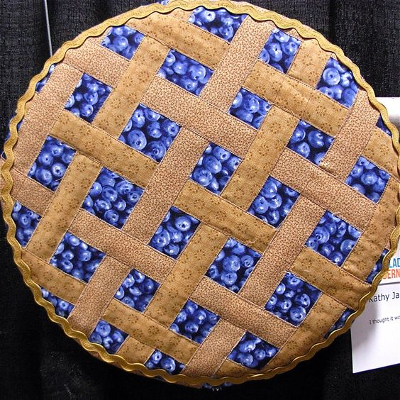 """Blueberry Pie"" by Kathy James (Fort Washington, PA). Philadelphia Modern Quilt Guild. Quilts in the Round:  Photo by Nutmeg Designs Art::"