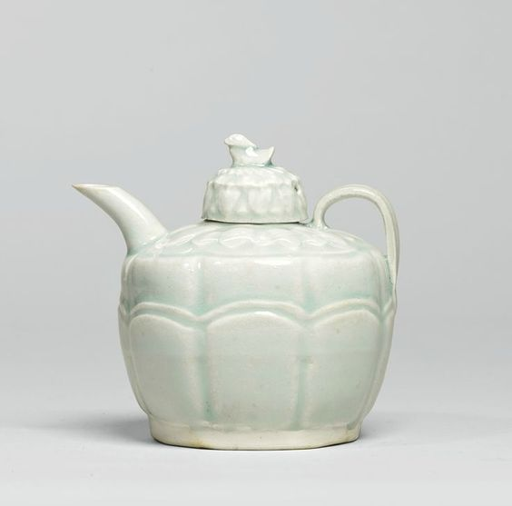 A small 'Qingbai' ewer and cover, Song dynasty