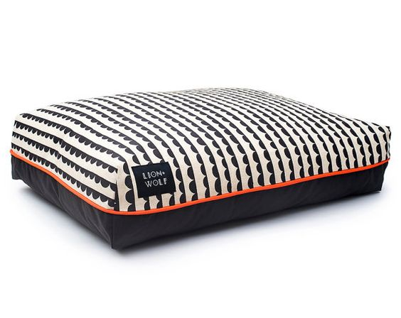 Half-Moon Dog Bed – Charcoal – Limited Edition | Removable Pet Bed Cover including Pillow Insert | Unique Dog Beds from Lion + Wolf