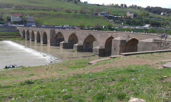 Hasankeyf Taş Köprü, Diyarbakır, Turquía