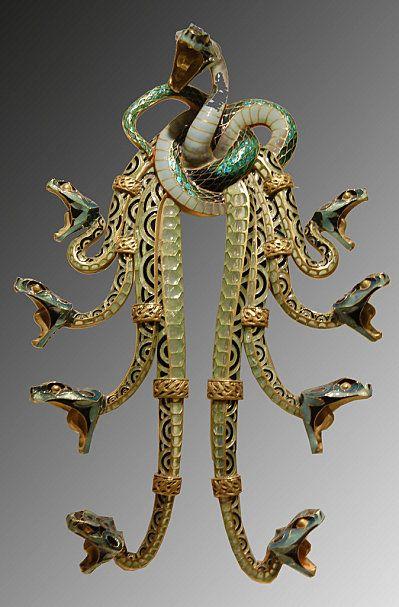 Rene Lalique - Art Nouveau Snakes Pendant-Brooch. Gold and Enamel. Circa 1900. #FredericClad