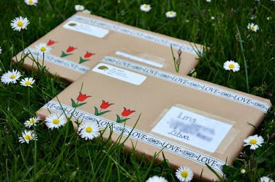 Adorable packaging. Love the love washi with the tulips!