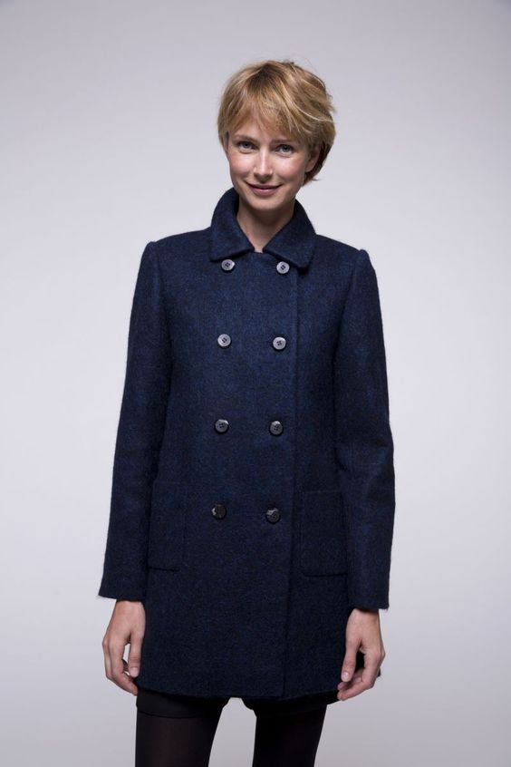 http://www.trench-and-coat.com/fr/toute-la-collection/580-manteau-marine-laine-alpaga.html