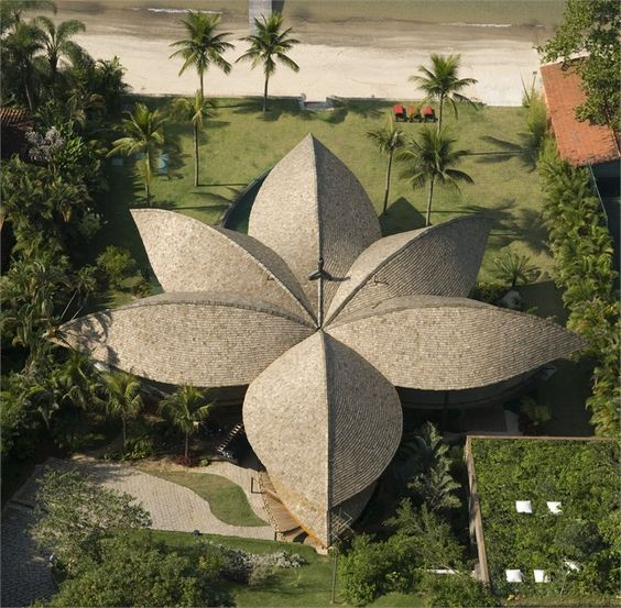 Casa Folha in Angra Dos Reis, Brazil by Mareines + Patalamo Arquitetura