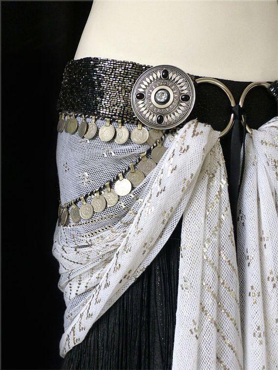 Tribal Fusion Belly Dance ceinture parure : Zhuzik & diamants avec Swarovski et Onyx noir. FABRIQUÉ SUR COMMANDE.