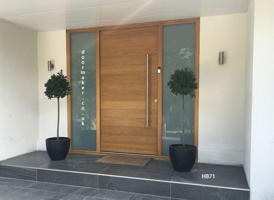 Contemporary Oak Door With Sandblast Sidelights Gates Or