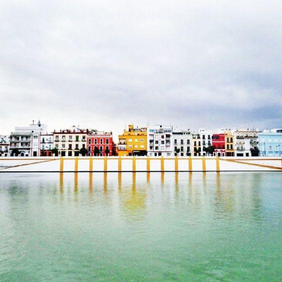 La zapata de la Calle Betis #Sevilla tendrá un restaurante y actuaciones.