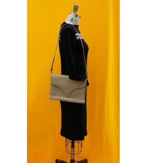 vintage leather tan clutch purse $30.00