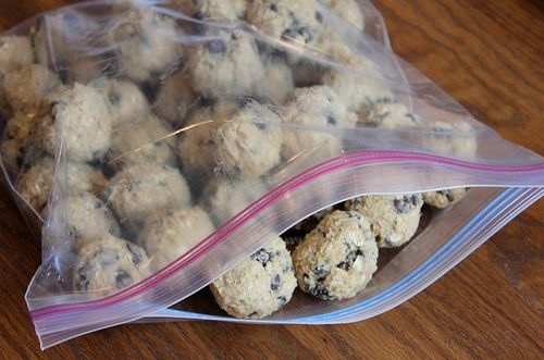 Freezer-Friendly Chocolate Chip Oatmeal Cookies    ~   great to have in the freezer when you need a quick batch of something homemade and sweet