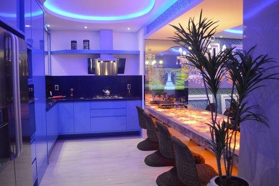 Apartamento Luxo! Decorado com muita Iluminação, Modernidade e Conforto!