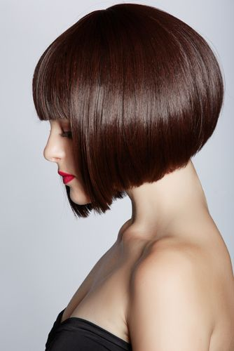 fashionpass: Modern retro flapper bob with fantastic fire-red lipstick. A combination that POPS!