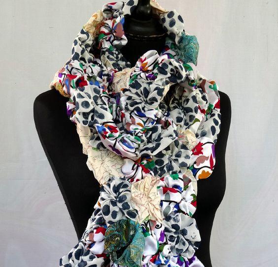 Echarpe femme aux milles fleurs blanc, bleu et multicolore en polyester mélangé : Echarpe, foulard, cravate par akka-accessoires