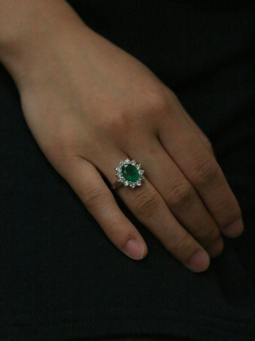 10 X 8mm Natural Emerald 1 0ct Diamond Solid 14 Karat Gold Halo Ring Emerald Engagement Ring Unique Engagement Rings Vintage Engagement Rings