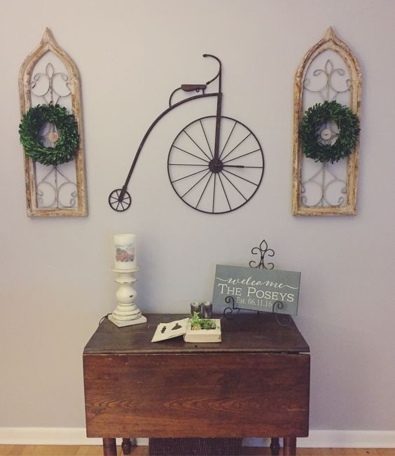 Love these boxwood wreaths!