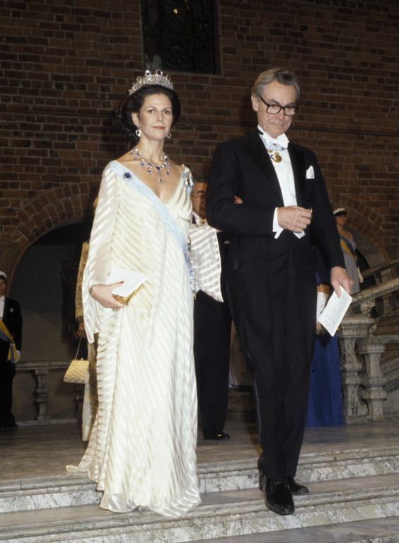 Queen Silvia at the Nobel prize festivities in 1981 Dress made by Olga Persson, the queen is pregnant with princess Madeleine