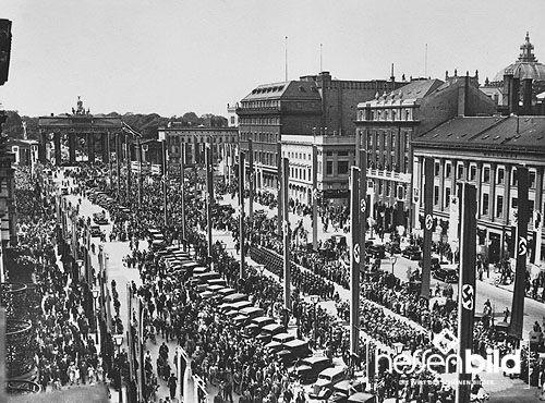 Berlin: Unter den Linden, August 1936