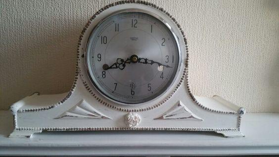 Shabby chic clock