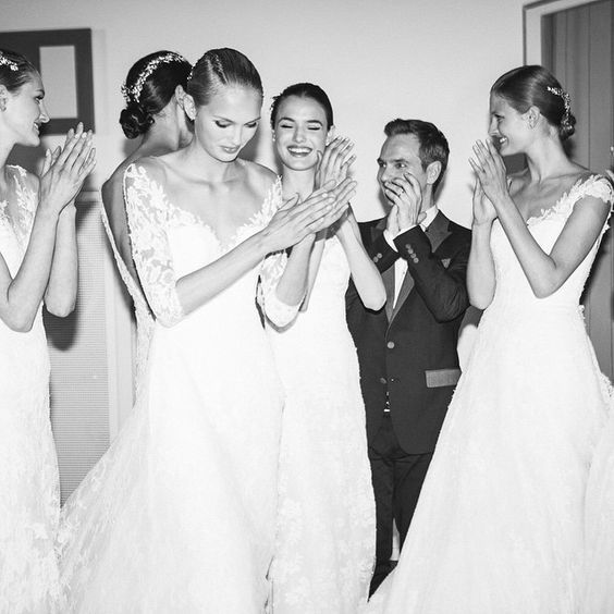 Celebrating in the backstage after the #PronoviasFashionShow