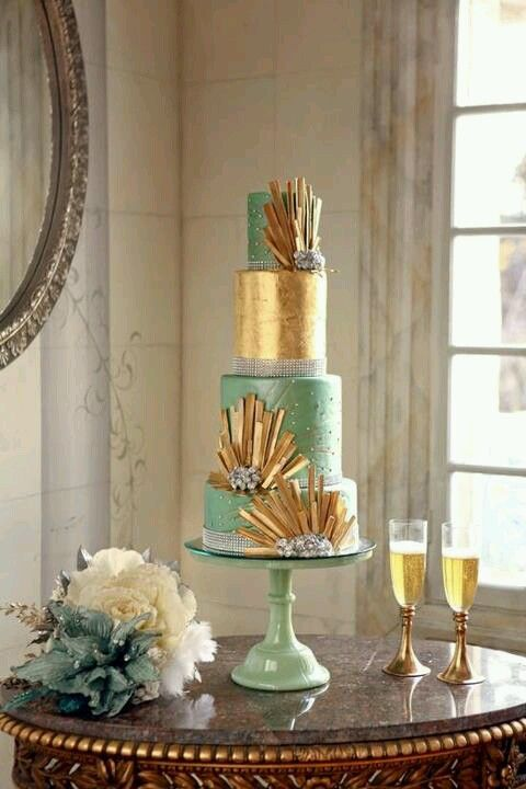 Mint and gold art deco' inspired wedding cake ... Wedding ideas for brides & bridesmaids, grooms & groomsmen, parents & planners ... https://itunes.apple.com/us/app/the-gold-wedding-planner/id498112599?ls=1=8 … plus how to organise an entire wedding, without overspending ♥ The Gold Wedding Planner iPhone App ♥
