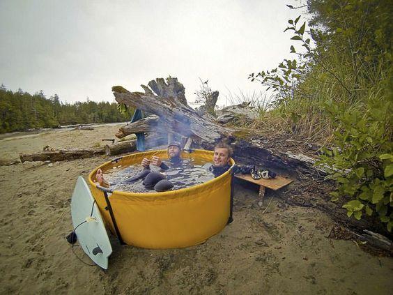 """Esta ingeniosa bañera hidromasaje portatil lleva """"relajarse en la naturaleza"""" al…"""