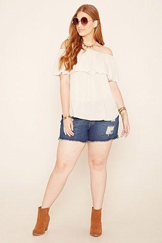 7c6f8fd332 5 ways to wear plus size denim shorts - Page 3 of 5 - curvyoutfits.com