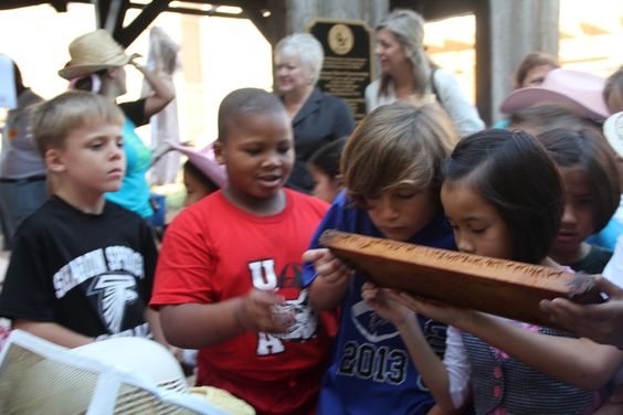 Students learning about honey at Forsyth County Schools Feed My School for a Week Event
