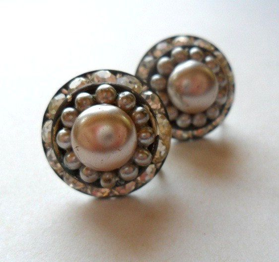 Hey, I found this really awesome Etsy listing at https://www.etsy.com/listing/101826173/rhinestone-dome-50s-earrings-vintage