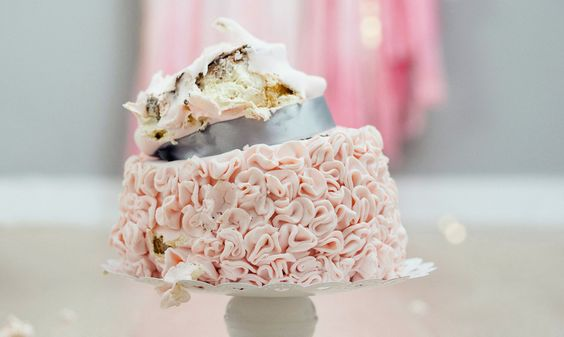 disaster wedding cake the world s catalog of ideas 13538