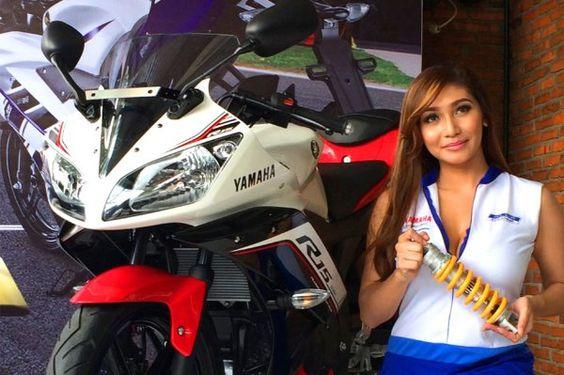 Yamaha Yzf R15 Amp Yzf R125 Ridingirls