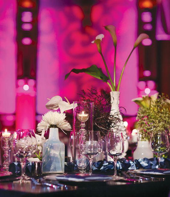 Fuchsia, Silver, & Navy Blue Wedding Table S etting
