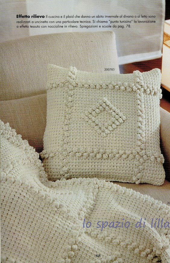 lo spazio di lilla: Uncinetto tunisino: il cuscino ed il plaid con le noccioline